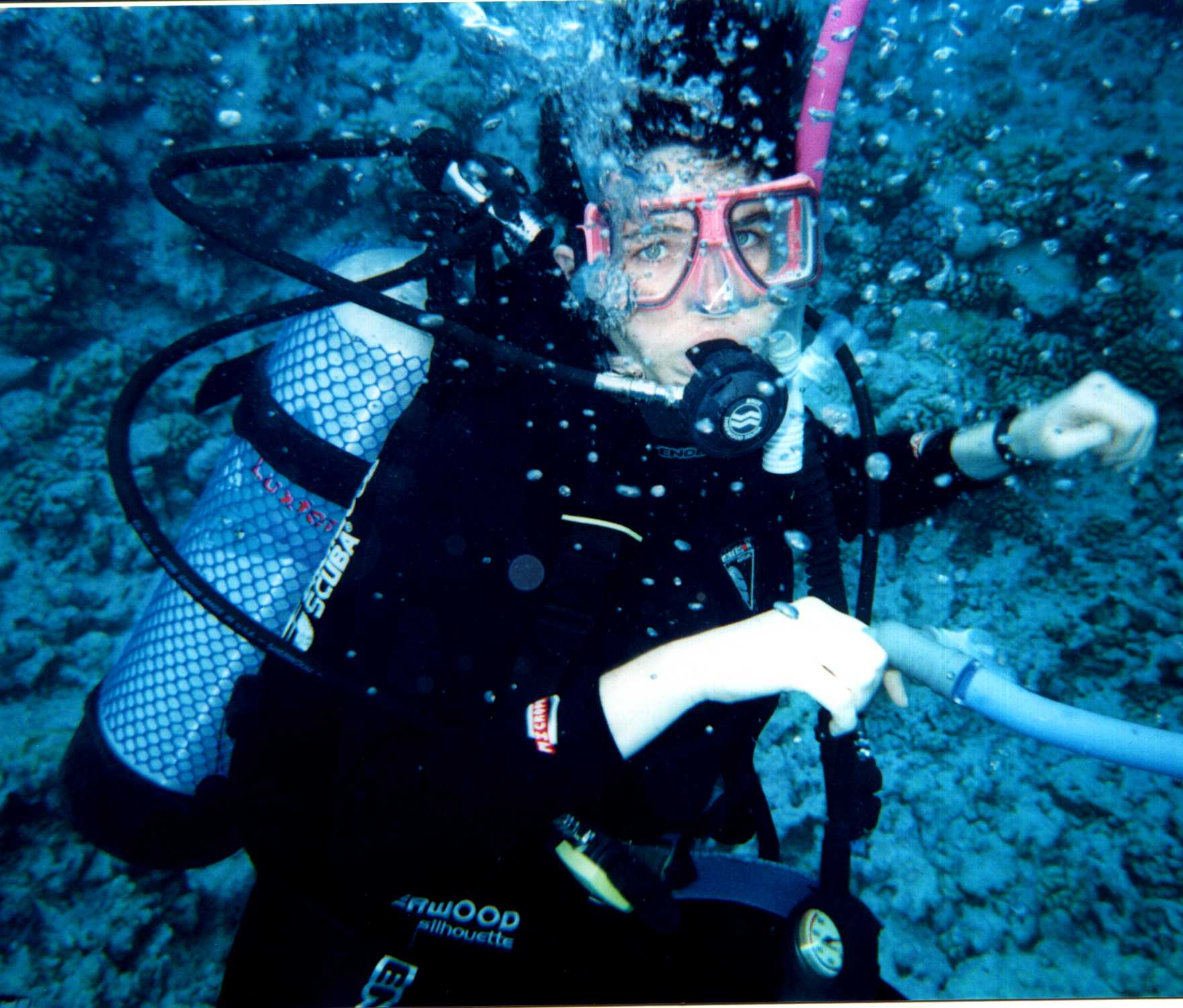 scuba diving research papers Scuba diving research paper - professional scholars, top-notch services, instant delivery and other advantages can be found in our academy writing help modify the way you cope with your assignment with our appreciated service qualified scholars working in the company will write your paper within the deadline.